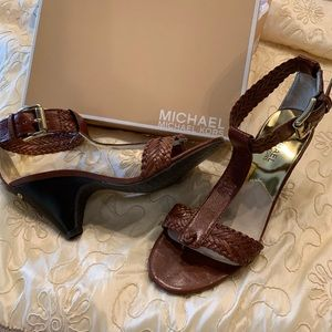Michael Kors brown leather sandal wooden heel